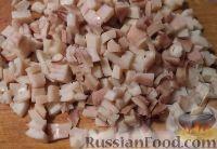Фото приготовления рецепта: Салат с кальмарами и крабовыми палочками - шаг №4