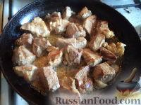 Фото приготовления рецепта: Мясо с айвой - шаг №4