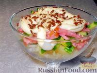 "Фото к рецепту: Салат ""Мадлен"" с ананасом и огурцом"