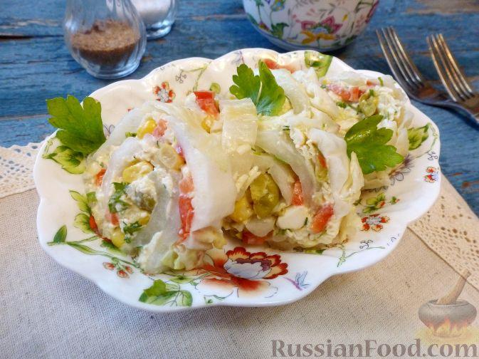 Фото приготовления рецепта: Дрожжевые пирожки с пекинской капустой, рисом и яйцами - шаг №3