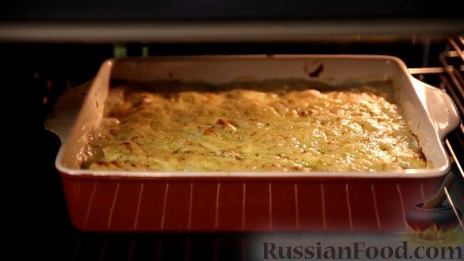 Фото приготовления рецепта: Ньокки из картофеля, сельдерея и моркови, с грецкими орехами - шаг №10
