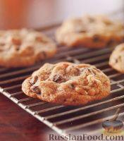 Фото к рецепту: Печенье с шоколадом и орехами