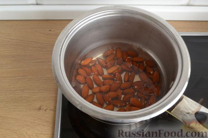 Фото приготовления рецепта: Шоколадный плавленый сыр из творога - шаг №3
