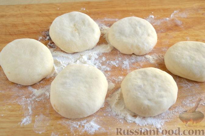 Фото приготовления рецепта: Булочки с айвой - шаг №7