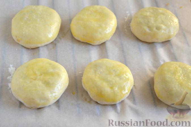 Фото приготовления рецепта: Булочки с айвой - шаг №8