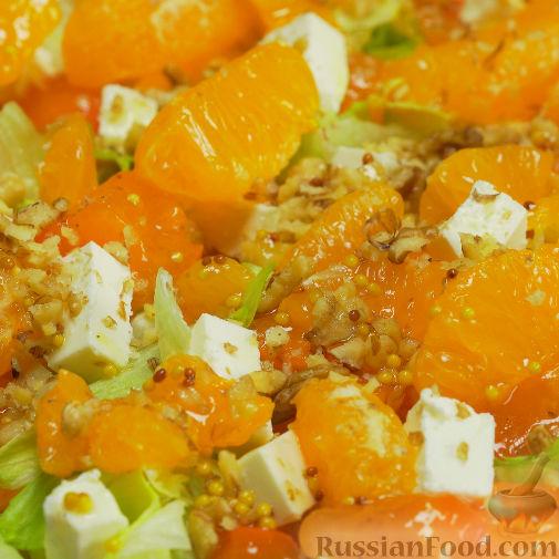 Фото к рецепту: Оранжевый салат с мандаринами и хурмой