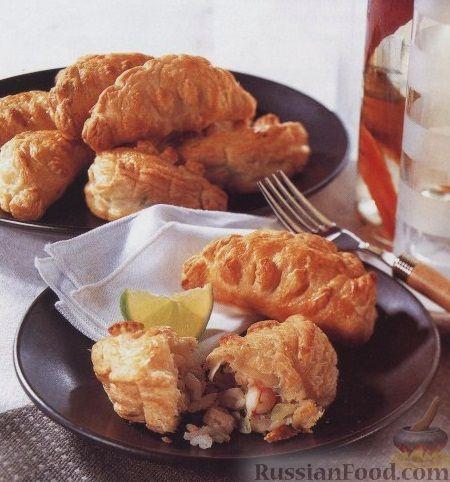 Рецепт Пирожки из слоеного теста с рисом, рыбой и креветками