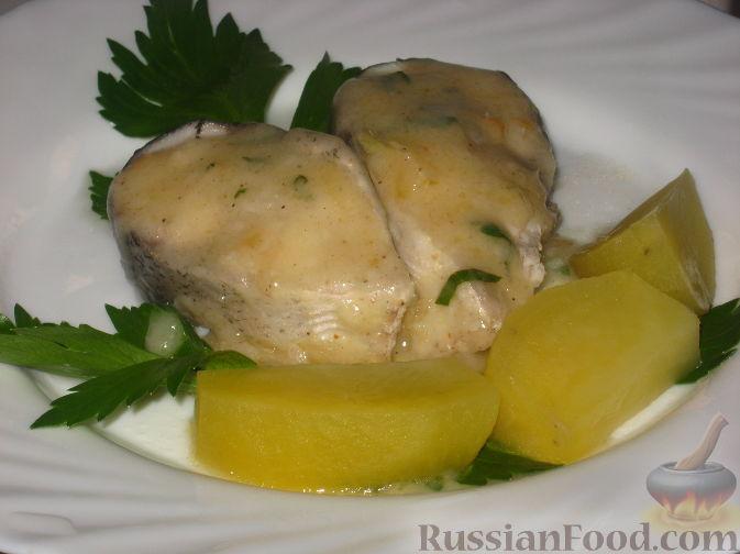Рецепт Рыба отварная с лимонным соусом и картофелем на гарнир