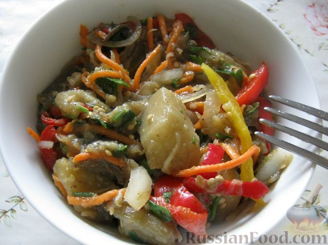 Рецепт Салат с баклажанами и перцем