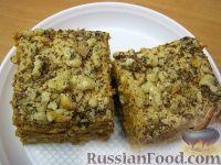 Фото к рецепту: Торт Рыжик с орехами