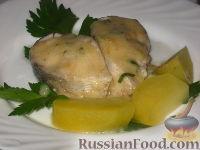 Фото к рецепту: Рыба отварная с лимонным соусом и картофелем на гарнир
