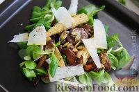 Фото к рецепту: Теплый салат с грибами и кукурузой