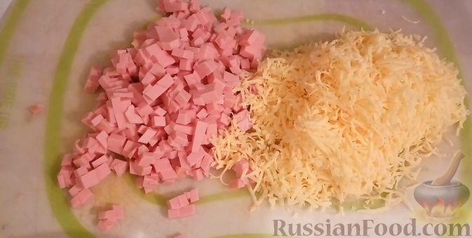 Фото приготовления рецепта: Домашний хлеб, запечённый с пряным маслом, сыром и зеленью - шаг №16