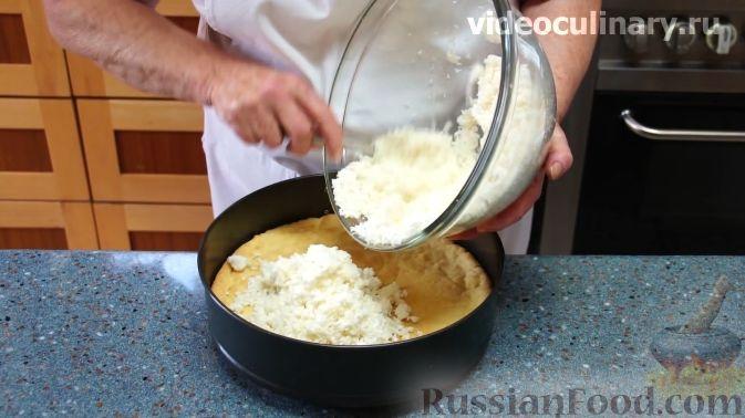 Фото приготовления рецепта: Салат с цветной капустой, копченой курицей, кукурузой и сыром - шаг №2