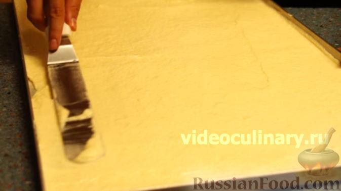Фото приготовления рецепта: Говяжья печень, тушенная в яблочно-сметанном соусе - шаг №15