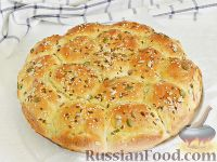 Фото к рецепту: Булочки с ветчиной и зеленым луком