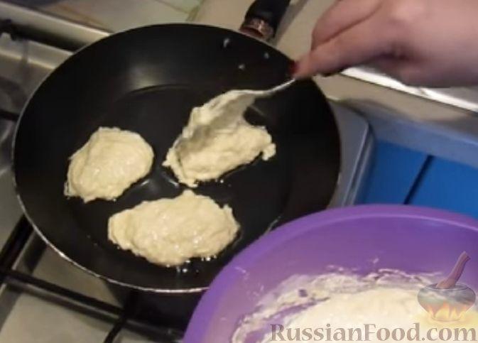 Фото приготовления рецепта: Тушёная капуста с кускусом и сладким перцем - шаг №1