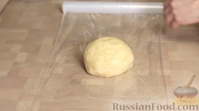 Фото приготовления рецепта: Овощной суп с рыбными фрикадельками - шаг №5