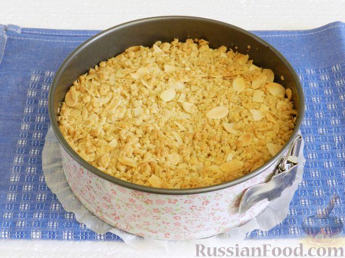Фото приготовления рецепта: Закусочные шарики с сельдью, картофелем, плавленым сыром и яйцами - шаг №5