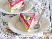 """Фото к рецепту: Салат-торт """"Селедка под шубой"""" под свекольным муссом"""
