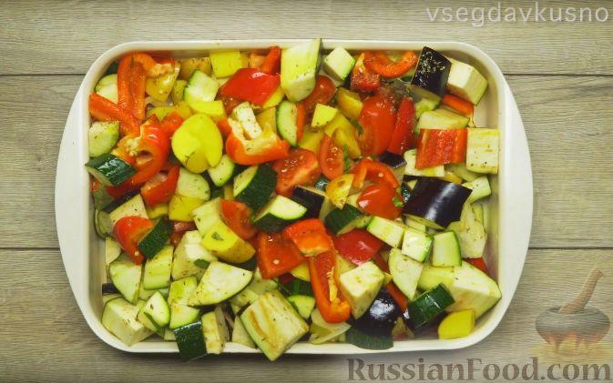 Фото приготовления рецепта: Щи из квашеной капусты с беконом, грибами и томатной пастой - шаг №3
