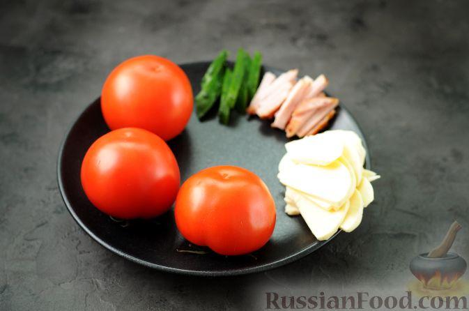 """Фото приготовления рецепта: Закуска """"Букет роз"""" из помидоров - шаг №2"""