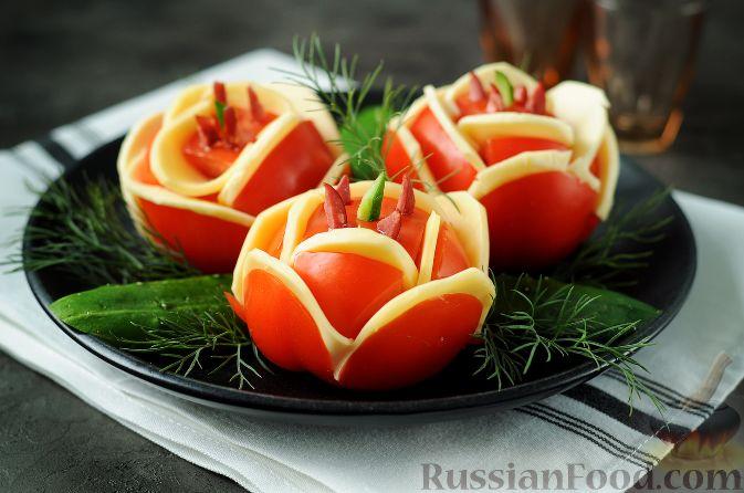 """Фото приготовления рецепта: Закуска """"Букет роз"""" из помидоров - шаг №6"""