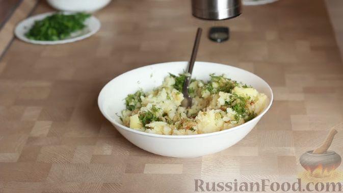 Фото приготовления рецепта: Кутабы (лепешки без дрожжей) с картофелем и тыквой - шаг №5