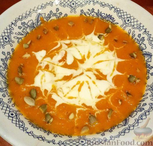 Фото к рецепту: Морковный суп-пюре с яблоком и имбирём