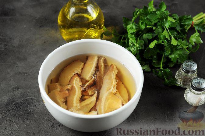 Фото приготовления рецепта: Запеканка из картофельного пюре, с куриной печенью - шаг №12