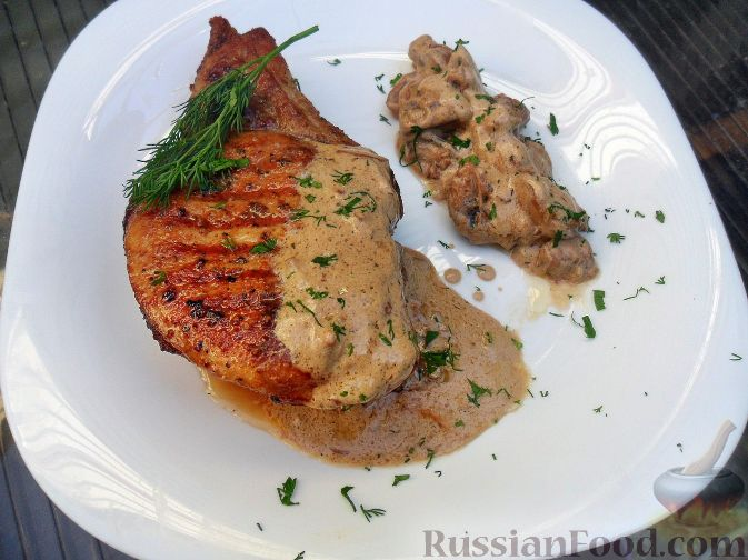 Рецепт Стейк из свинины с грибным соусом