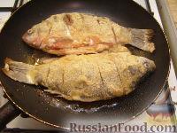 Фото приготовления рецепта: Караси жареные в сметане - шаг №9