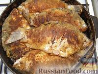 Фото приготовления рецепта: Караси жареные в сметане - шаг №11