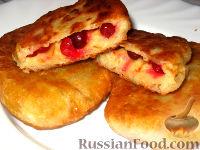 Фото к рецепту: Пирожки жареные с клюквой