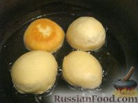 Фото приготовления рецепта: Классические пончики - шаг №8