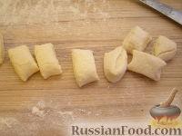 Фото приготовления рецепта: Шарики творожные жареные - шаг №12