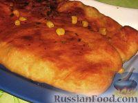 Фото к рецепту: Закрытый пирог с мясом и кукурузой