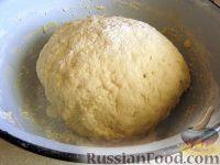 Фото приготовления рецепта: Классические пончики - шаг №4