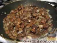 Фото приготовления рецепта: Картошка с мясом в горшочках - шаг №3