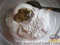 Фото приготовления рецепта: Свиная печень под сметаной - шаг №7