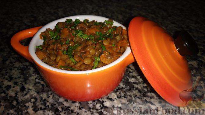 Фото приготовления рецепта: Дрожжевые пирожки с пекинской капустой, рисом и яйцами - шаг №7