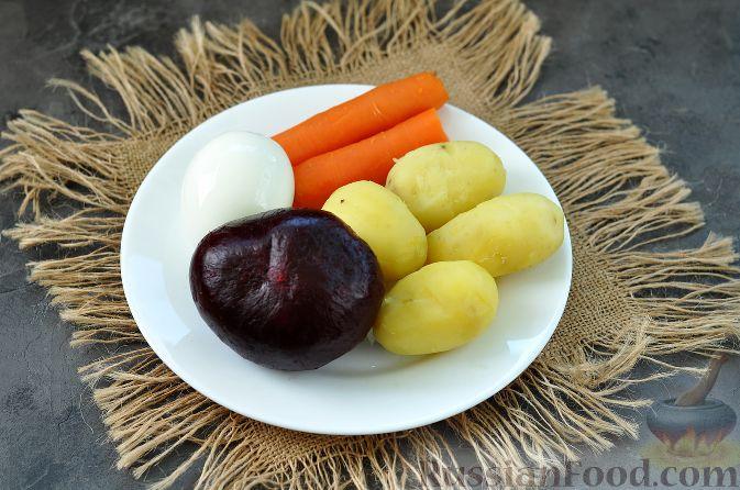 Фото приготовления рецепта: Гречка со сметаной, яйцами и грибами - шаг №7