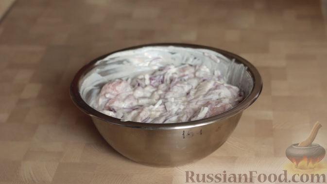 Фото приготовления рецепта: Рисовый суп с капустой и сыром - шаг №9
