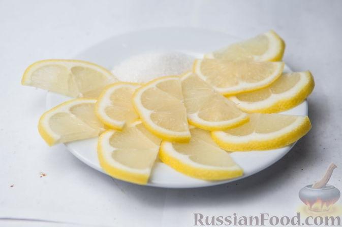 Фото приготовления рецепта: Мясные фрикадельки, запечённые в луково-морковном соусе - шаг №7