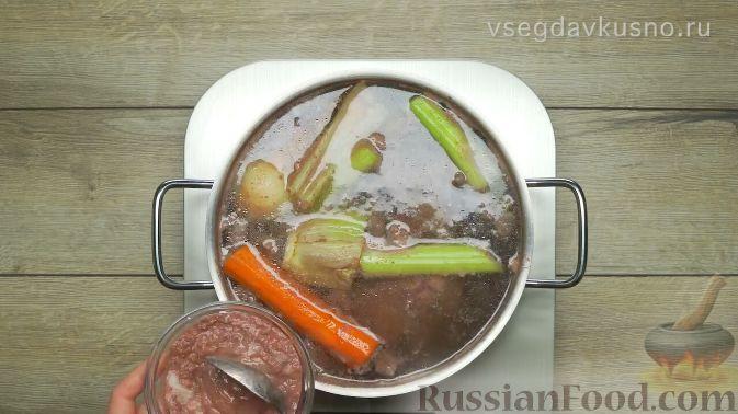 Фото приготовления рецепта: Рассольник - шаг №2