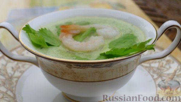 Рецепт Крем-суп из сельдерея, базилика, молодого горошка с креветками