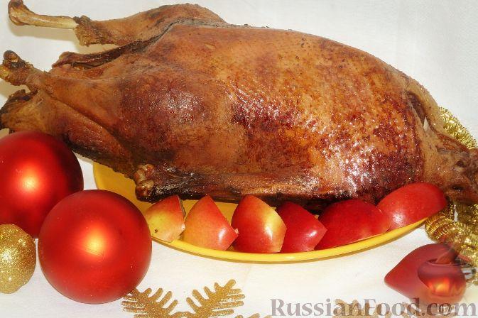 Рецепт Гусь с яблоками (немецкая Рождественская классика)