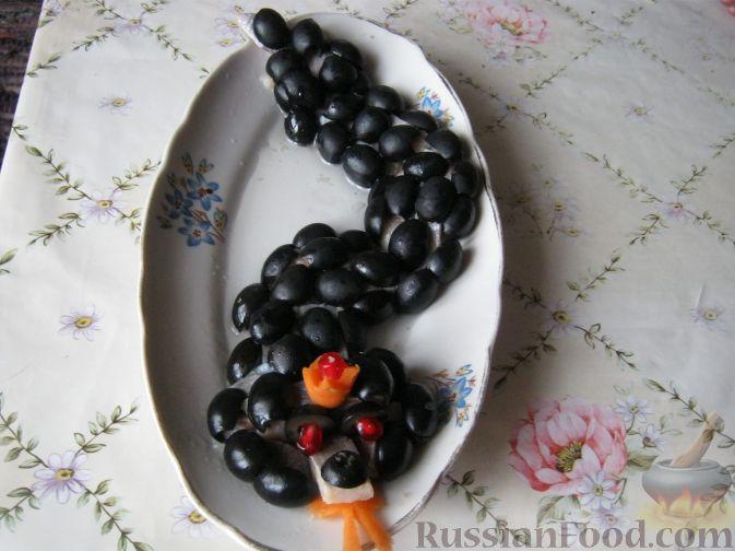 Фото приготовления рецепта: Змея из сельди - шаг №5