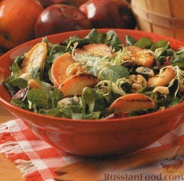 Рецепт Салат с жареными яблоками и грецкими орехами