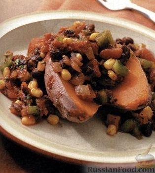Рецепт Печеный батат с вкусным соусом из фасоли, кукурузы и овощей